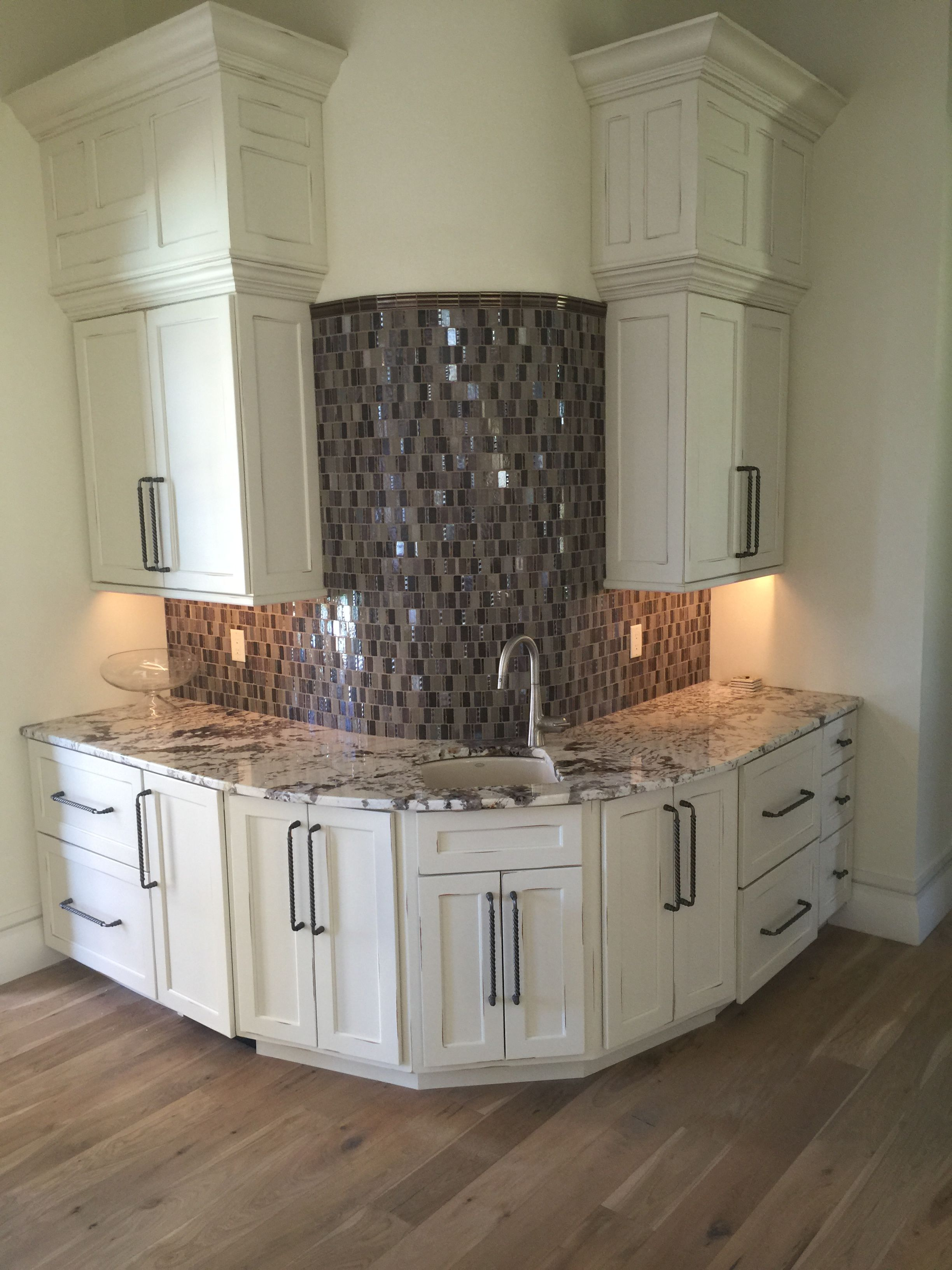 Kitchen island with vegetable sink - Grohe Corner Prep Sink Faucet With Two Double Drawer Fisher Paykel Dishwashers And A Sub Zero Ice Maker With Custom Cabinet Facings